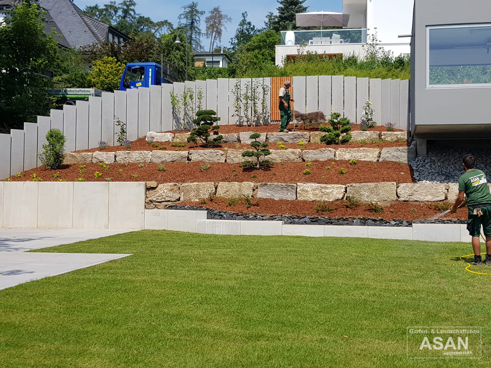 Asan Garten- und Landschaftsbau - Projektbeispiel Nr. 1 Gartenbau Giessen: Terasse und Garten