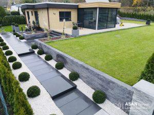 Asan Garten- und Landschaftsbau - Projektbeispiel Nr. 8 (Bild Nr. 2) Gartenbau Giessen: Hof und Vorgarten